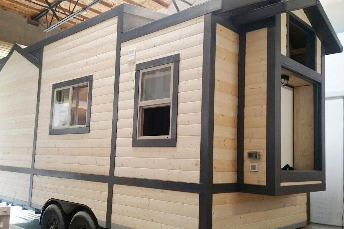 olivet-university-student-training-opportunities-through-tiny-home-construction